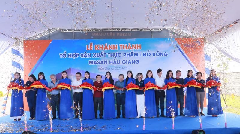 Tổ hợp sản xuất Thực phẩm - Đồ uống Masan Hậu Giang tọa lạc tại Khu công nghiệp Sông Hậu, xã Đông Phú, huyện Châu Thành, tỉnh Hậu Giang có diện tích 10ha.