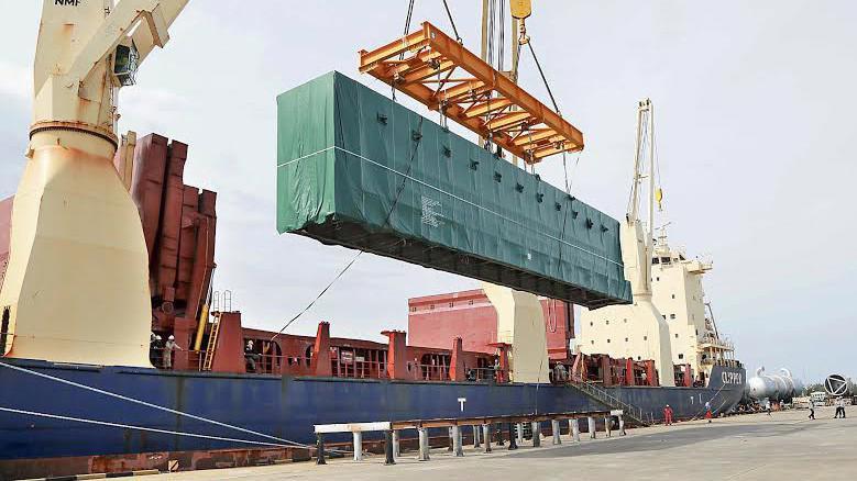 Riêng thặng dư thương mại của khối FDI trong 4 tháng đã đạt 10,96 tỷ USD, một đóng góp rất lớn để giúp cán cân thương mại của cả nước đạt 3,89 tỷ USD.