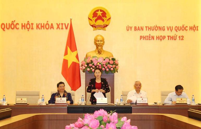 Chủ tịch Quốc hội Nguyễn Thị Kim Ngân khai mạc phiên họp thứ 12 của Uỷ ban Thường vụ Quốc hội. Phần này báo chí được tham dự.
