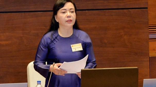 Bộ trưởng Bộ Y tế Nguyễn Thị Kim Tiến trong một phiên họp của Quốc hội.