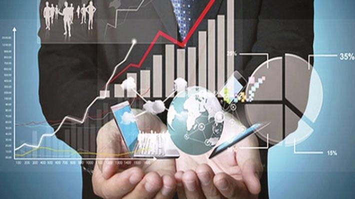 Kinh tế số - kinh tế dựa vào những yếu tố về công nghệ nhưng sử dụng được mạng không gian Internet, sau này thậm chí sẽ còn lớn hơn cả kinh tế thực, theo Viện trưởng Viện Kinh tế Việt Nam Bùi Quang Tuấn - Ảnh minh họa.