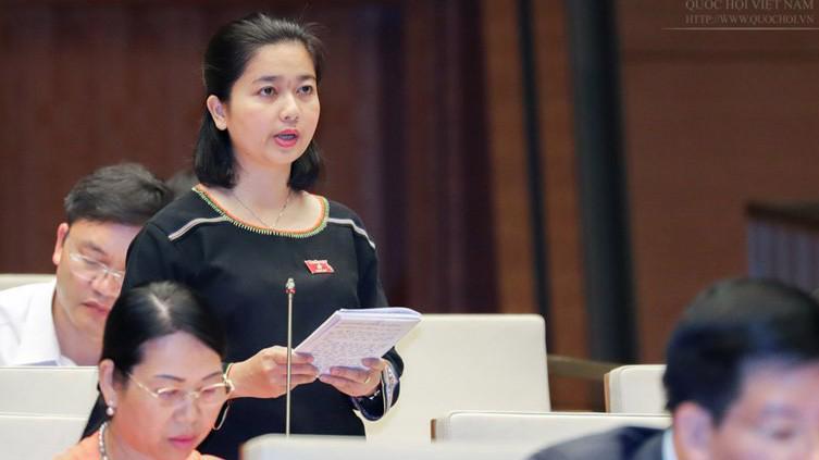 Đại biểu Ksor Phước Hà (Gia Lai) phát biểu tại hội trường.