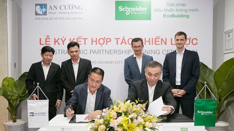 Thông qua việc ký kết hợp tác chiến lược này, Schneider Electric sẽ cung cấp giải pháp điều khiển thông minh EcoBuilding cho các dự án bất động sản cao cấp; An Cường sẽ đưa ra các giải pháp nội thất gỗ công nghiệp hài hoà với những không gian sống thông minh và hiện đại.