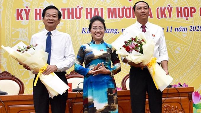 Tân Chủ tịch UBND tỉnh Kiên Giang Lâm Minh Thành (Bên phải).