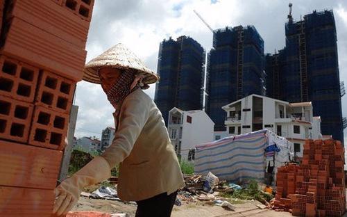 Phó thủ tướng Vương Đình Huệ nhấn mạnh việc điều hành giá cẩn trọng, chặt chẽ, quyết liệt để kiểm soát lạm phát theo mục tiêu đã đặt ra. <br>