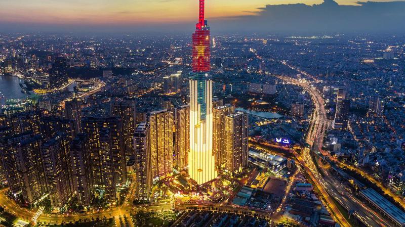 Kinh tế Việt Nam được dự báo tiếp tục tăng trưởng dương trong năm 2020. Ảnh: AF.
