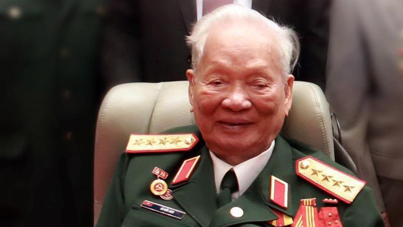 Trong mắt Thủ tướng Nguyễn Xuân Phúc, Đại tướng Lê Đức Anh là một chiến sỹ cách mạng kiên cường, một vị tướng tài ba, người đã được tôi luyện, trưởng thành qua các cuộc kháng chiến vĩ đại của dân tộc.