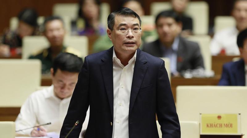 Thống đốc Ngân hàng Nhà nước Lê Minh Hưng tại phiên chất vấn kỳ họp thứ 8 Quốc hội khoá 14 - Ảnh: Quang Phúc