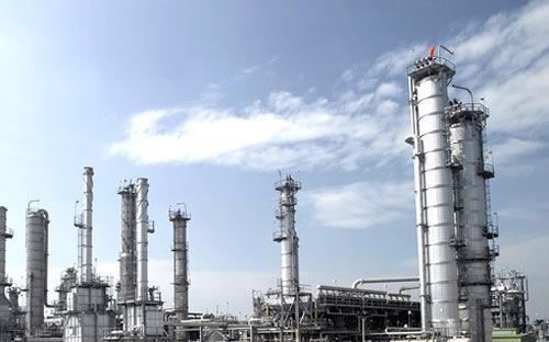 Một nhà máy lọc dầu của PTT - Ảnh minh họa.<br>