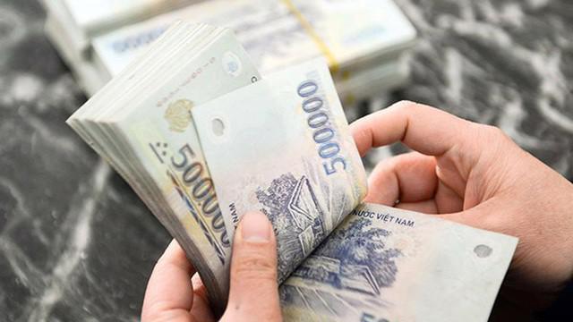 Lương tối thiểu năm 2020 sẽ tăng cao nhất là 240.000 đồng. Ảnh minh họa.