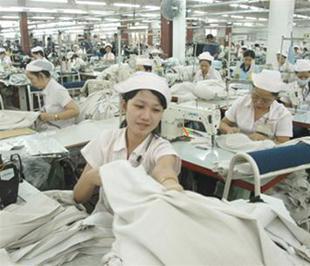 May Việt Tiến, Scavi, Coats Phong Phú, May Nhà Bè và May 10 là những doanh nghiệp dệt may tiêu biểu trong suốt 5 năm liền.