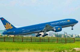 Về cơ bản toàn bộ khách bị dồn lại tại sân bay Vinh trong những ngày qua do mưa lũ đã được Vietnam Airlines vận chuyển hết khỏi khu vực bị ảnh hưởng.