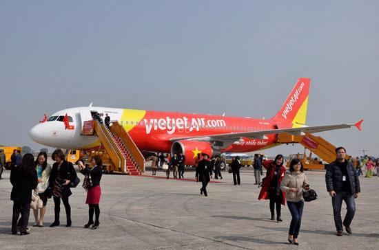 VietJetAir chính thức tham gia vào thị trường hàng không Việt Nam từ cuối năm 2011, với đường bay chính là Tp.HCM – Hà Nội.