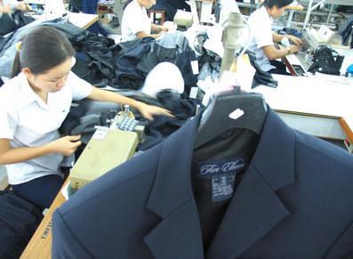 Ngành dệt may Việt Nam hiện đã chú trọng hơn tới khâu thiết kế tạo ra những sản phẩm mang thương hiệu riêng để giảm tỷ lệ may gia công.