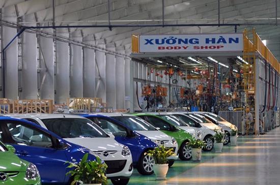Quang cảnh xưởng hàn trong nhà máy sản xuất và lắp ráp xe hơi Mazda - Ảnh: Bobi.