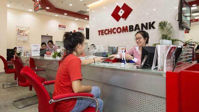 Techcombank khuyến nghị khách hàng, đặc biệt là các khách hàng mua bán giao dịch trực tuyến, cần tránh không đưa các thông tin giao dịch lên mạng xã hội.