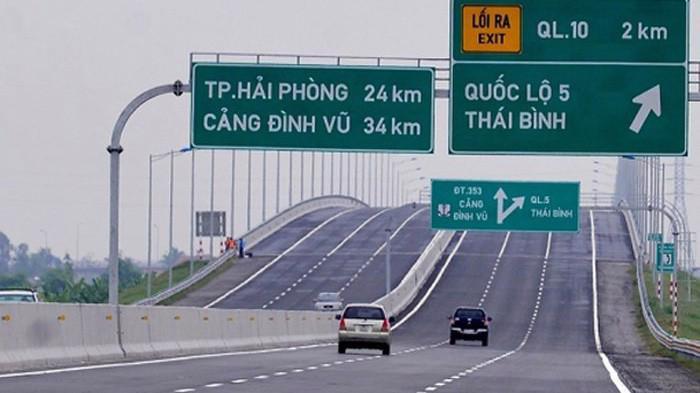 Bộ Giao thông Vận tải khẳng định việc điều chỉnh mức thu trên tuyến cao tốc thuộc thẩm quyền của doanh nghiệp.