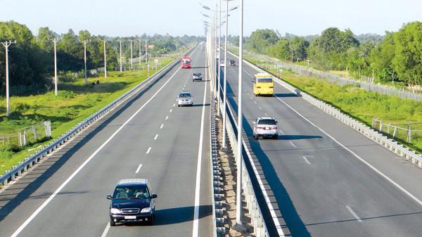 Bây giờ những con đường ở khu vực kinh tế phát triển, khu đô thị phát triển vẫn phải đầu tư bằng hình thức BOT - Ảnh minh hoạ.