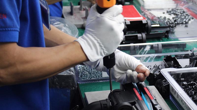 Theo thống kê của Bộ Công Thương, Việt Nam hiện có khoảng 1.800 doanh nghiệp công nghiệp hỗ trợ, nhưng mới có khoảng 300 doanh nghiệp tham gia vào chuỗi cung ứng của công ty đa quốc gia.