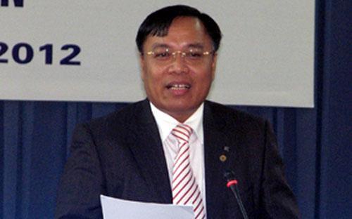"""Ông Đinh Quang Tri: """"EVN sẽ thoái vốn khỏi các công ty bất động sản, ngân hàng, bảo hiểm từ  nay đến hết năm 2015. Bản thân việc thoái vốn lỗ hay lãi không hạch toán  vào giá điện""""."""