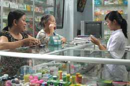 WHO cho rằng việc đưa tin khi không hiểu rõ nội dung sẽ dẫn tới sự bức xúc của dư luận về tình hình giá thuốc tại Việt Nam.