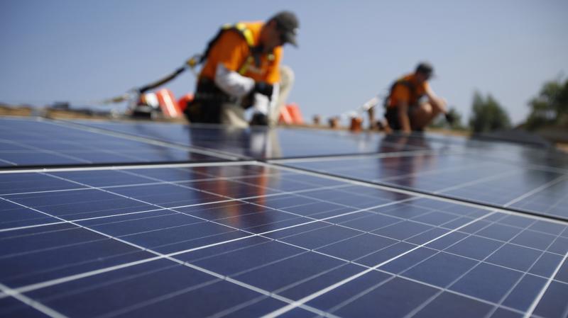 Tổng nhu cầu đầu tư cho tiết kiệm và hiệu quả năng lượng của một số ngành ngành công nghiệp trọng điểm của Việt Nam ước tính vào khoảng 3,6 tỷ USD - Ảnh: AP