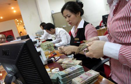 Lãnh đạo Vụ Chính sách tiền tệ cho biết việc giảm lãi suất liên tục trong thời gian qua là bước đi để tiến tới bỏ trần lãi suất huy động đối với tiền gửi VND trong tương lai, khi có thời điểm thuận lợi.