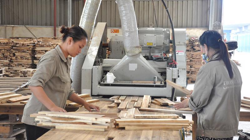Ước giá trị xuất khẩu gỗ và các sản phẩm gỗ tháng 1/2018 đạt 709 triệu USD, tăng 18,5% so với cùng kỳ năm 2017.