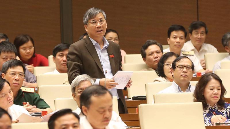 Đại biểu Nguyễn Anh Trí chất vấn Phó thủ tướng.