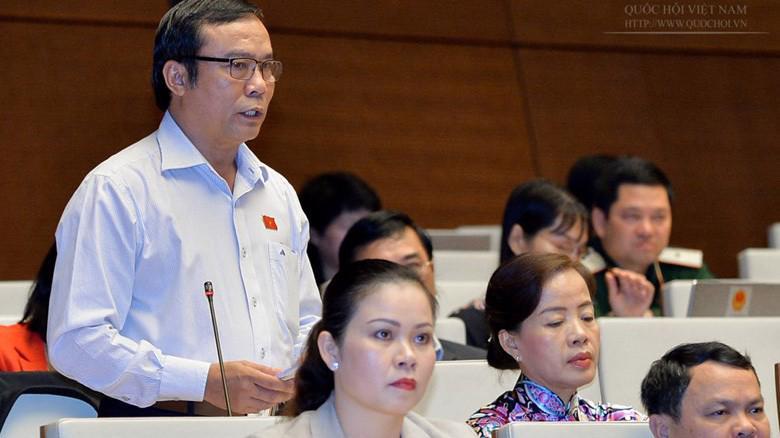 Đại biểu Nguyễn Bá Sơn phát biểu tại hội trường Quốc hội.