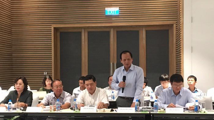 Thứ trưởng Bộ Giao thông vận tải Nguyễn Nhật phát biểu tại phiên thẩm tra của Uỷ ban Kinh tế.
