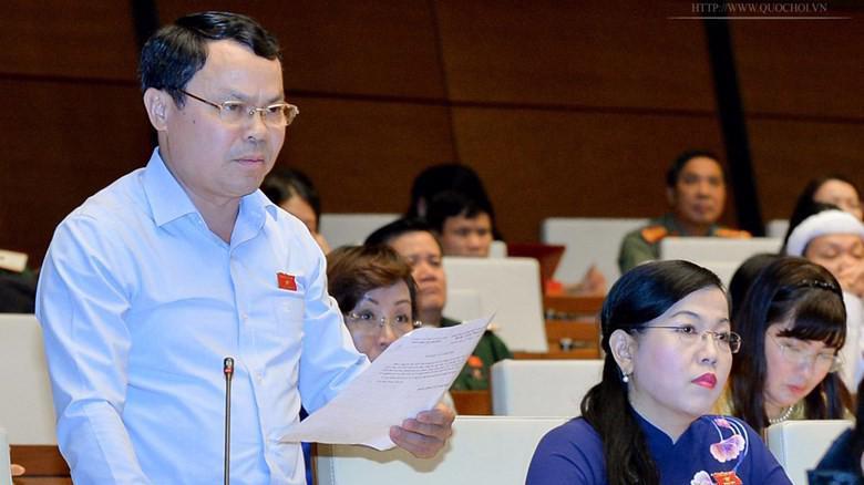 Đại biểu Nguyễn Tiến Sinh (Hoà Bình) cho rằng định hướng dư luân, tạo sức ép không đúng đắn cho việc giải quyết vụ án theo đúng quy định pháp luật là việc không phù hợp.