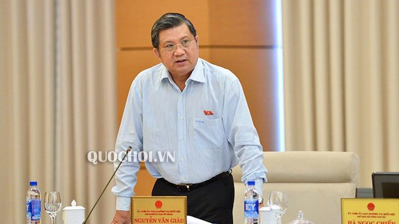 Chủ nhiệm Uỷ ban Đối Ngoại của Quốc hội, ông Nguyễn Văn Giàu phát biểu tại phiên họp.