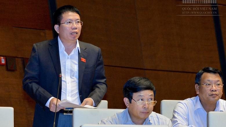Đại biểu Nguyễn Văn Hiển phát biểu tại nghị trường.