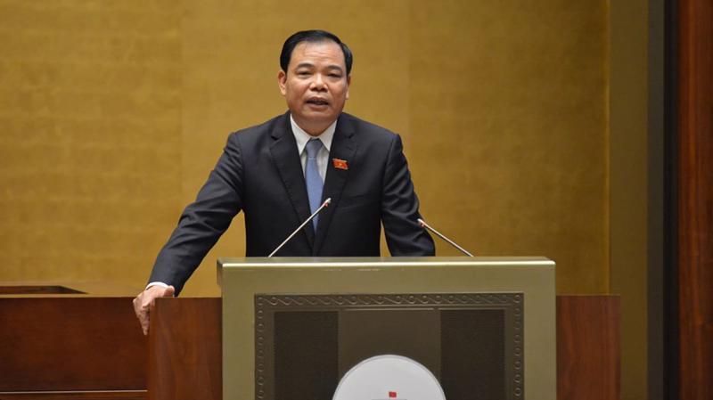 Bộ trưởng Nguyễn Xuân Cường trả lời chất vấn sáng 6/11 - Ảnh: Quang Phúc.