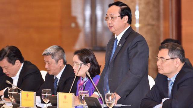 Phó Chủ tịch UBND Thành phố Nguyễn Thế Hùng trả lời báo chí tại cuộc họp báo