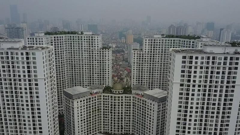 Nhiều dự án trung tâm thương mại và căn hộ thương mại với quy mô, mật độ rất lớn vẫn được xây dựng tại nội thành.