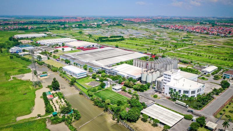Toàn cảnh Nhà máy Bia Hà Nội - Mê Linh tọa lạc tại xã Tiền Phong, Huyện Mê Linh, Hà Nội.