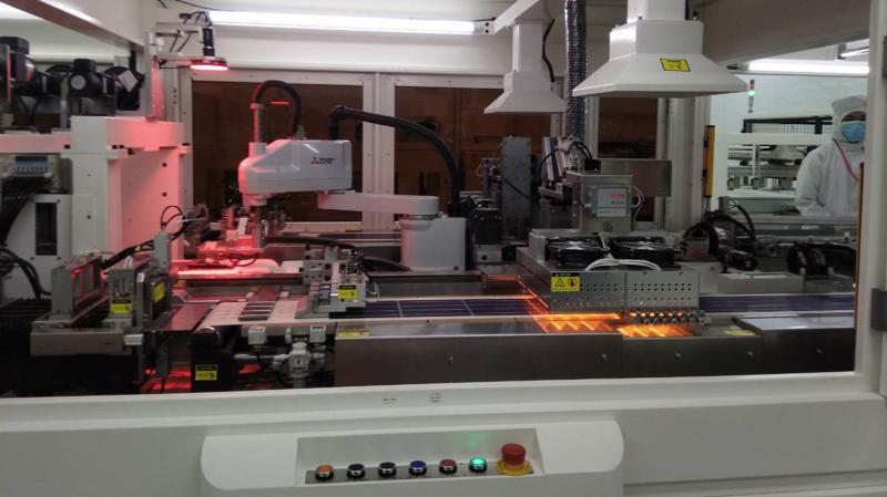 Dây chuyền sản xuất pin mặt trời hiện đại, tự động hóa của công ty IREX.
