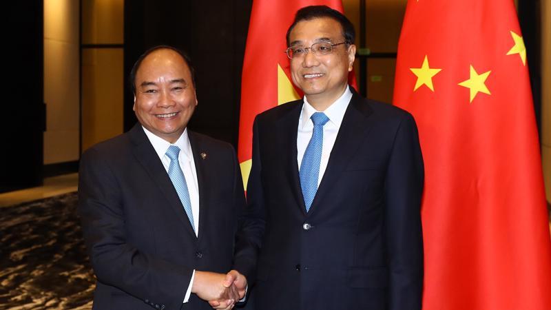 Thủ tướng Lý Khắc Cường nhất trí với đề nghị của Thủ tướng Nguyễn Xuân Phúc về việc Trung Quốc có các biện pháp thúc đẩy thương mại song phương phát triển cân bằng.