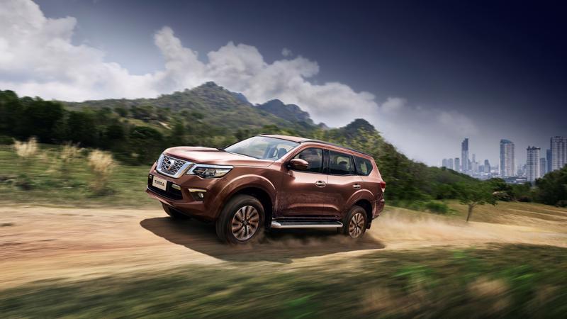 Về thị trường Việt Nam, Nissan Terra sẽ cạnh tranh trực tiếp với các đối thủ mạnh hiện có như Toyota Fortuner, Chevrolet Trailblazer và Hyundai SantaFe.