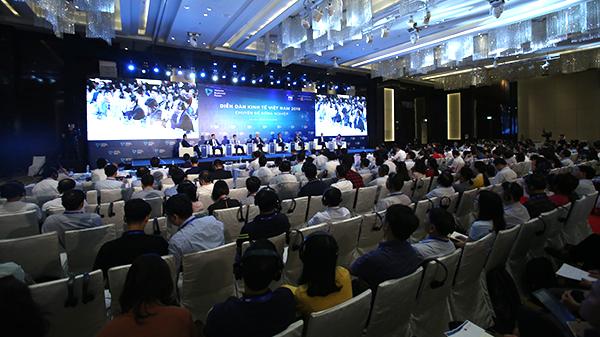 Theo các chuyên gia, nông dân Việt Nam cần nâng cao kiến thức về các tiêu chuẩn, quy định về hàng hóa để từ đó tăng giá trị cho các sản phẩm của mình.