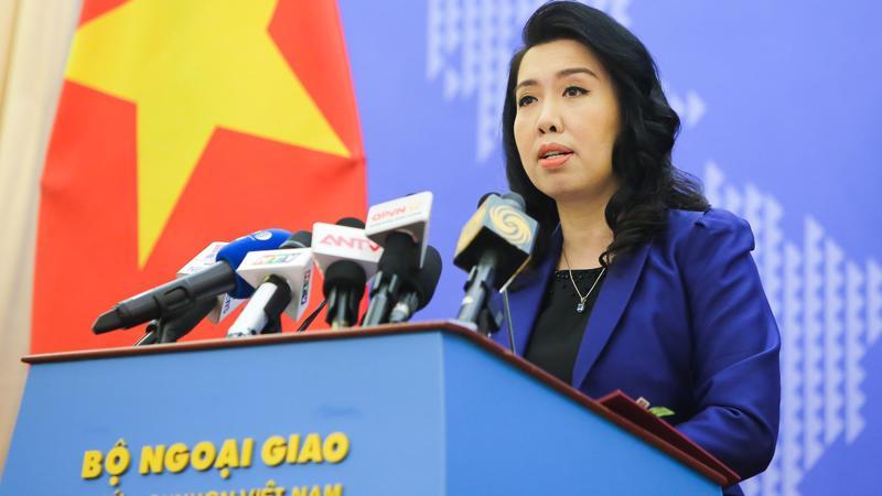 Người phát ngôn Bộ Ngoại giao Lê Thị Thu Hằng tại họp báo thường kỳ ngày 17/10 - Ảnh: QT.