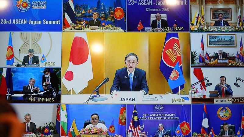 Thủ tướng Nhật Bản và lãnh đạo các nước ASEAN dự Hội nghị Cấp cao ASEAN - Nhật Bản lần thứ 23 - Ảnh: VGP