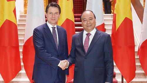 Thủ tướng Nguyễn Xuân Phúc và Thủ tướng Italia Giuseppe Conte hội đàm ngày 5/6.