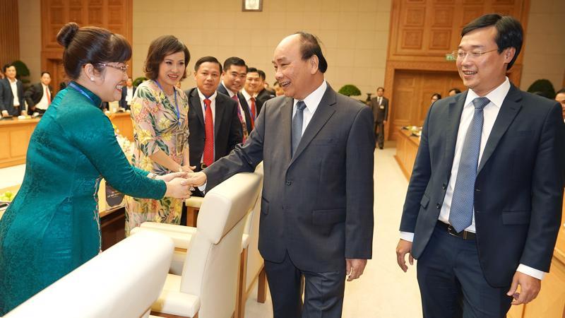 Thủ tướng Nguyễn Xuân Phúc gặp gỡ doanh nhân trẻ nhân kỷ niệm 20 năm Giải thưởng Sao Đỏ - Ảnh: VGP