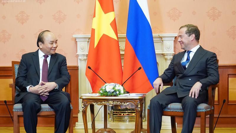 Thủ tướng Nguyễn Xuân Phúc hội đàm với Thủ tướng Chính phủ Liên bang Nga D.A. Medvedev chiều 22/5.