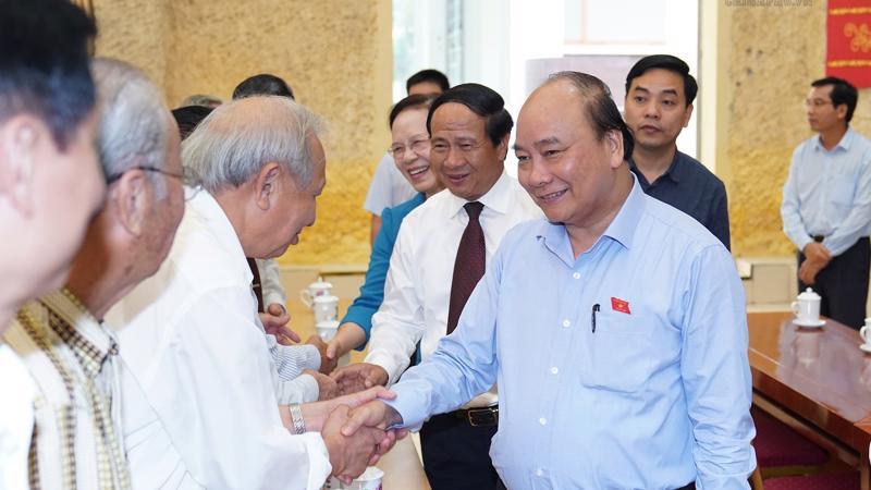 Thủ tướng cùng Đoàn Đại biểu Quốc hội thành phố Hải Phòng tiếp xúc cử tri tại huyện Kiến Thụy ngày 10/5.
