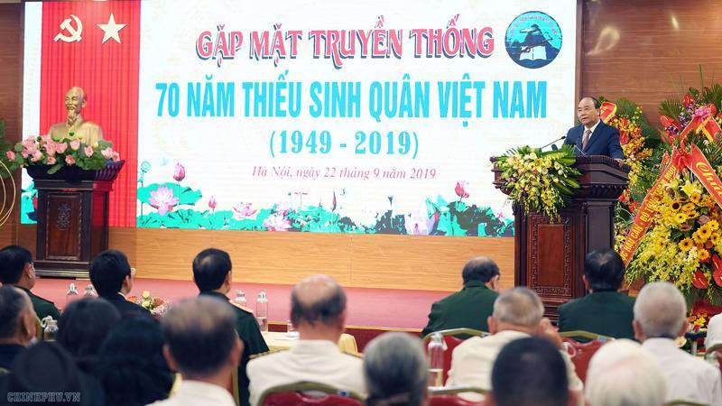 Thủ tướng Nguyễn Xuân Phúc phát biểu tại cuộc gặp gỡ cựu học sinh các Trường Thiếu sinh quân Việt Nam nhân kỷ niệm 70 năm thành lập - Ảnh: VGP