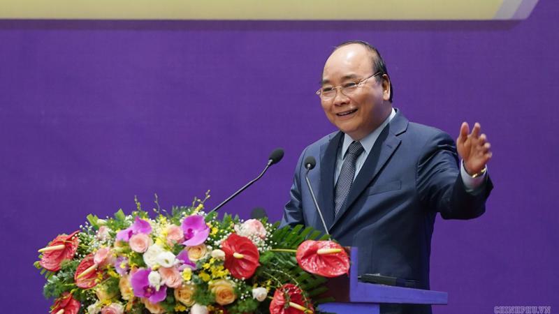 Thủ tướng Nguyễn Xuân Phúc phát biểu tại hội nghị chuyên đề về các giải pháp thúc đẩy phát triển ngành cơ khí Việt Nam - Ảnh: VGP